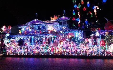 best holiday light show the best christmas light displays in every state travel leisure