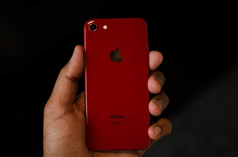 apple debuts red iphone     red leather case
