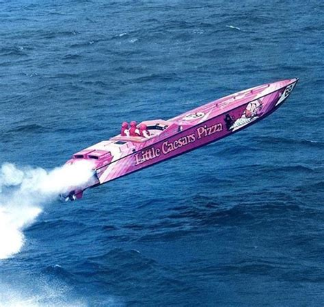 offshore racing boats speed a153a9ad931d36c28dc1e388fcf55c51 jpg 736 215 697 high