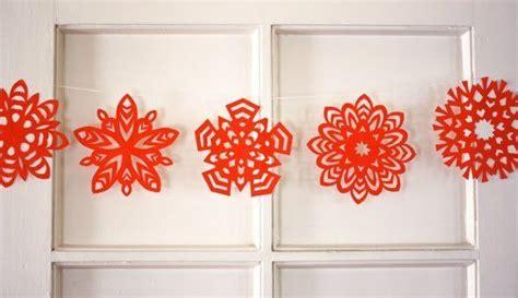 cara membuat hiasan natal pintu ini dia 5 ide kreatif membuat dekorasi natal dengan kertas