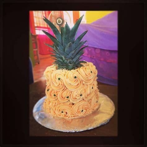 bizcocho decorado hawaiano bizcocho en forma de pi 241 a mis bizcochos pinterest en