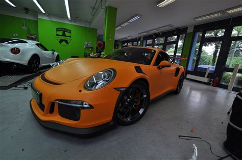 porsche gt3 rs wrap 2016 porsche 911 gt3 rs gets retro look with racing orange