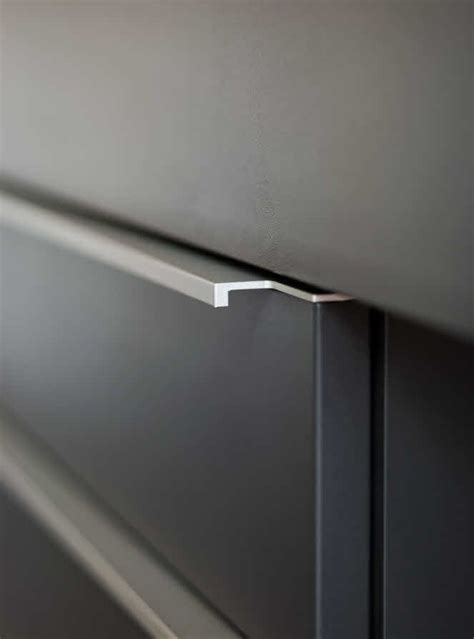 Handle For Kitchen Cabinets Poggenpohl Modo Kitchen Handle Door Amp Cabinet