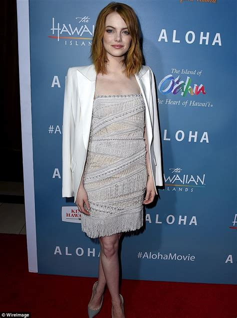 emma mcbride actress rachel mcadams outshines emma stone at aloha premiere in