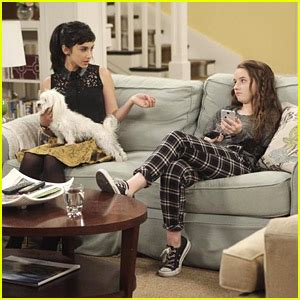 standing on the couch last man standing takes on fears on tonight s new