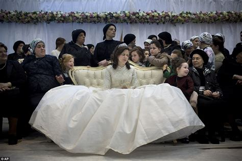 being a guest at a jewish wedding a guide my jewish ultra orthodox jewish wedding in israel sees thousands of
