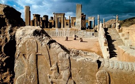 themes present in persepolis construction on the ancient quot city of the persians quot or