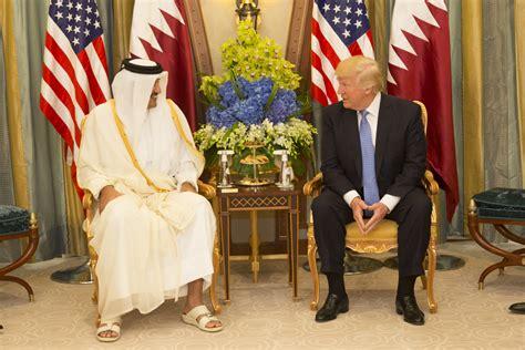 donald trump qatar file donald trump meets with the emir of qatar sheikh