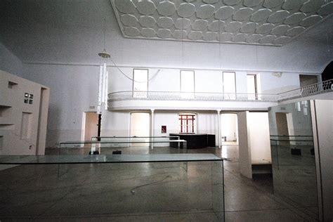 locazione immobile arredato biella via italia locale commerciale ad uso cinema in