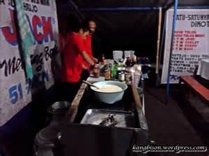 Sapi Murni Rasa Rasa menikmati minuman aneka di warung shi