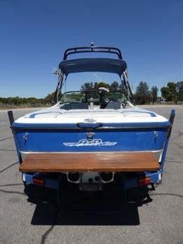 centurion ski boats australia centurion ski boat air warrior elite 2002 bowrider 22