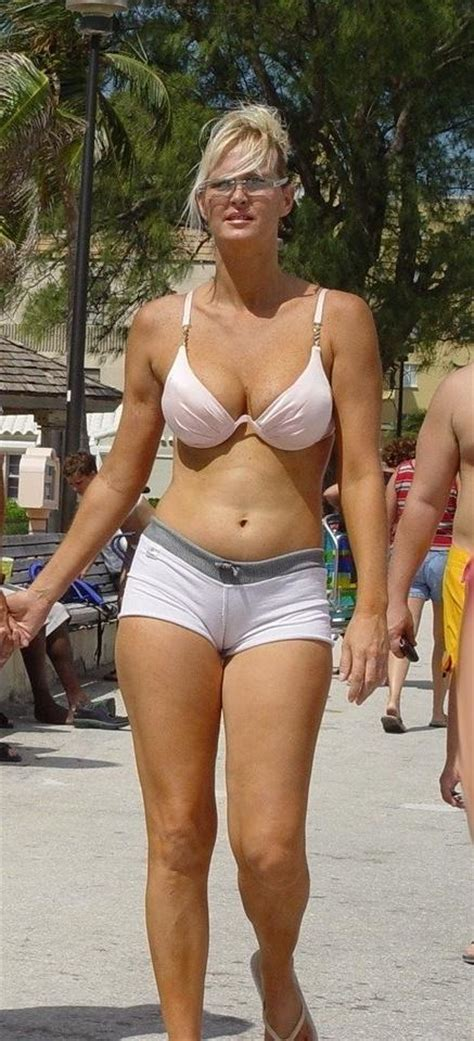 50 yr old ladies with short shorts hot cameltoe cutie in tight booty shorts 50 plus pinterest