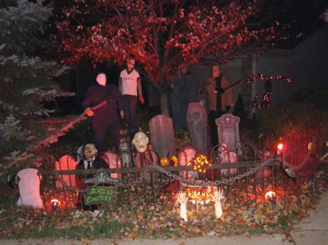 halloween decorated homes readers staff pick best halloween houses home and