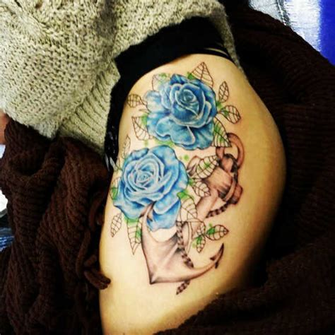30 sensuous flower hip tattoos and designs