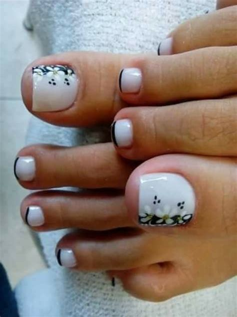 subtle nail designs women in there 40s best 25 toe nail designs ideas on pinterest pedicure