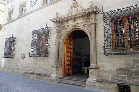 oficina de turismo de jaca jaca ayuntamiento siglos xv y xvi