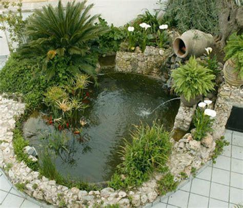 imagenes de jardines hechos con piedras jardines peque 241 os con estanque