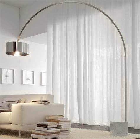 Le lampadaire de salon 45 belles idées déco en images! Archzine.fr