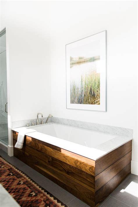 Modern Bathroom Tub by Best 25 Farmhouse Bathrooms Ideas On Half