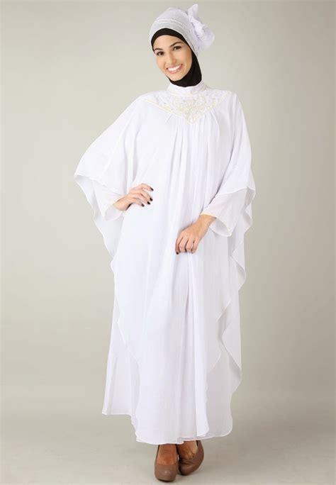 model baju busana muslim gamis warna putih busana muslim 2015