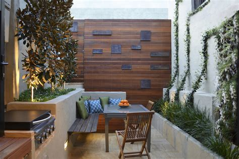 small courtyard ideas 3 tiny courtyard makeovers gardendrum