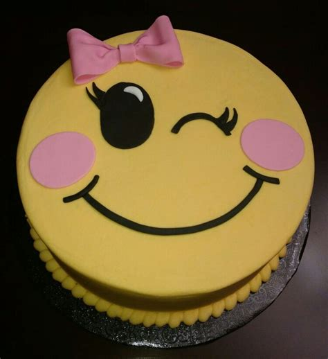 emoji cake best 25 emoji cake toppers ideas on pinterest
