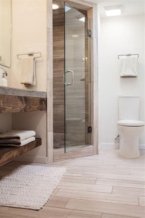 Corner Showers For Small Bathrooms Bathrooms With Corner Showers Furnitureteams