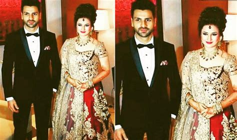 vivek dahiya wedding pics divyanka tripathi and vivek dahiya wedding reception in
