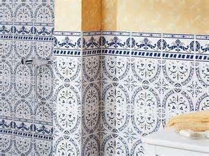 Superbe Carrelage Marocain Salle De Bain #7: Carrelage-mural-en-fa%C3%AFence-avec-ambiance-m%C3%A9diterran%C3%A9enne-201210261858590l.jpg