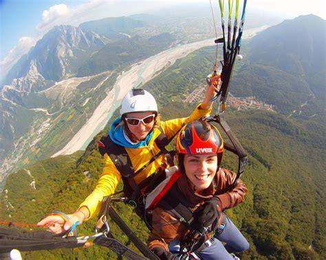vertigini da seduto in the sky volare in parapendio sul monte zoncolan