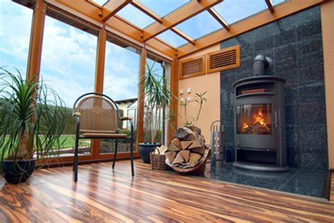 veranda mit kamin v 233 randa en bois astuces et conseils d entretien