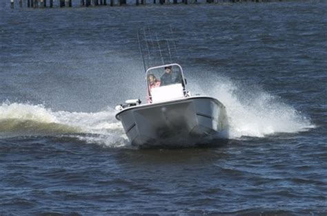 bay cat boats research twin vee boats 19 bay cat aft deck on iboats