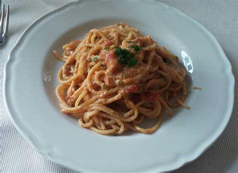 cucinare uova di pesce ricetta spaghetti con uova di pesce san pietro cuor di