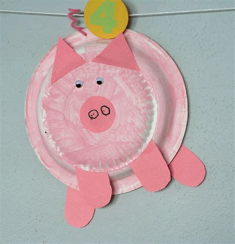 Pig Paper Plate Craft - if you give a pig a pancake sponge painted paper plate