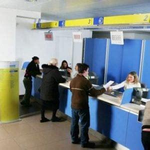 ufficio postale roma appio roma impiegata delle poste infedele falsifica firme