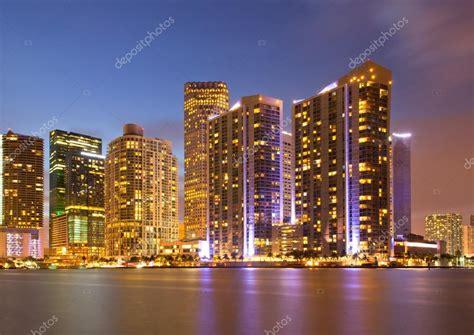 imagenes ciudad miami panorama colorido de la ciudad de miami florida del centro