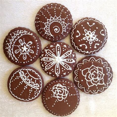henna design biscuits henna design cookies via etsy henna inspirations