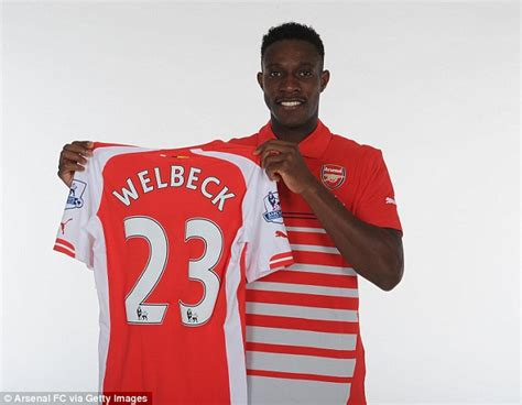 arsenal number danny welbeck is arsenal s new no 23 after nicklas