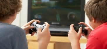 imagenes de niños jugando xbox videojuegos cu 225 l es el impacto al cerebros de los ni 241 os