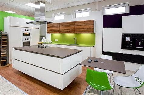 moderne küchen mit kochinsel landhauskuche mit kochinsel inspiration 252 ber haus design