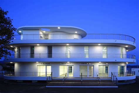 the boat office a nautical inspired building designed for a marina in