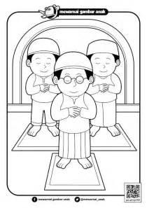 mewarnai gambar anak mewarnai gambar sholat berjamaah di masjid