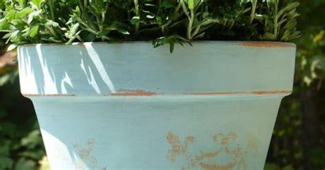 chalk paint on terra cotta pots garden ideas terra cotta and chalk paint