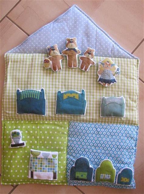 tapis de conte petits tapis de contes contes et comptines en tissus