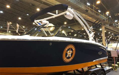 houston boat show january 2018 houston astros fans will love this custom boat at the