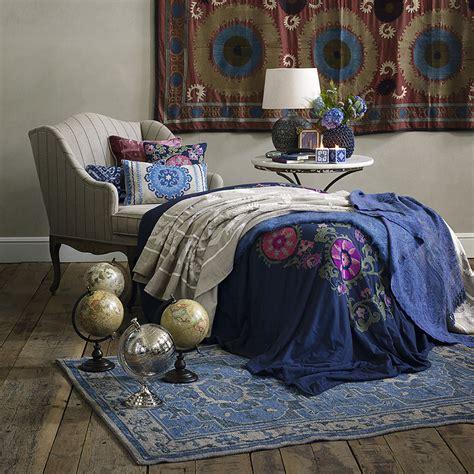 decorating  bedroom  vintage textiles smart tips