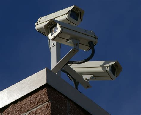 file three surveillance cameras jpg wikimedia commons