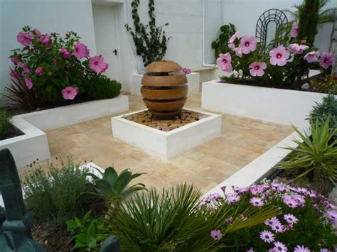 Spanish Courtyard Designs by Courtyard Garden Page 1 Homes Gardens And Diy
