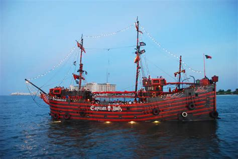barco pirata en quintana roo captain hook cancun quintana roo