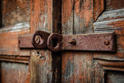 Unlock The Front Door Unlock Doors How To Get Into Locked Bedroom Door Home Design Unlock Doors Property Unlocks Out
